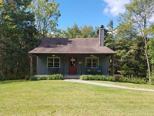 Deerfield Honeymoon Cottage at Autumn Ridge