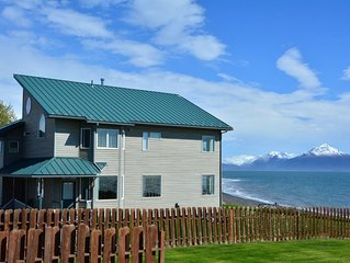 Bluffview Lodge -  Beachfront, Located in the heart of Old Town - Stunning Views