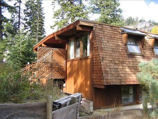 Classic Mountain Cabin - Close to Lake Tahoe & Tahoe City