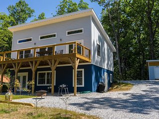 The Lookout-- **Views, hiking trails, brand new**