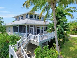 Stunning Tropical Waterfront Home - A Fisherman's Dream!