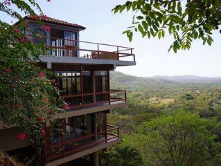 Spectacular skyline and ocean view, close to beaches, La Paz school, & Tamarindo
