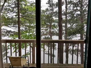 Immaculate northwoods  cabin on beautiful Moccasin Lake.