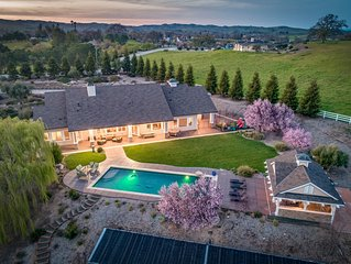 Luxe 6BR/3BA, sleeps 14 w/ 1500 sf game room & Pool in West Templeton