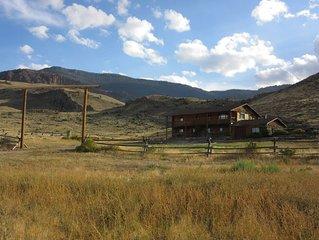 Peaceful Log Home near Yellowstone