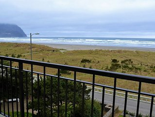 Oceanfront 4th floor, Balcony with Spectacular Ocean Views