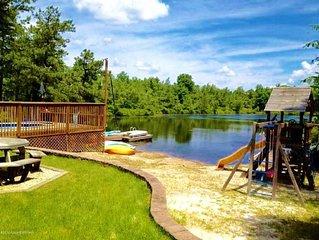 Pocono Lakefront Onsite Swimming Pool/Hot Tub, Playset/2 docks/Sandy Beach/Boats