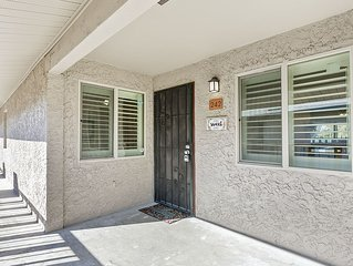 Gorgeous remodeled Old Town Condo blocks from Giants Fields &  Fashion Square