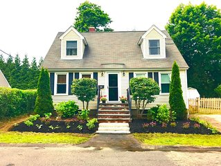 Charming Narragansett Pier Area Upscale Home! Walk to Sea Wall & More!