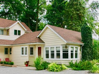 Cedar Shores -  Charming House in Old Town with Lake View and Heated Pool
