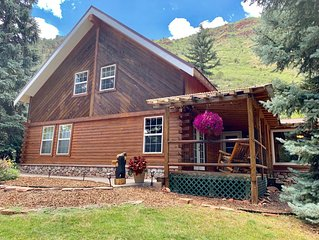 Authentic Large Colorado Cabin close to the Roaring Fork River