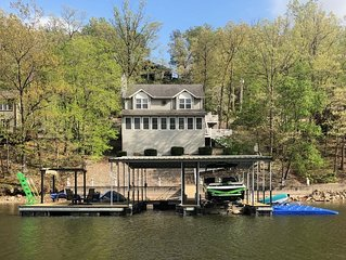 *Making Memories At the Lake-Waterfront House -Prvt Boat Dock&Large Patio*WIFI