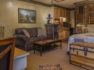 DOUBLE QUEEN SUITE IN THE BAILEY LODGE