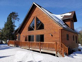 Eagle's Nest luxury lakefront chalet all season lodge.  Allows pets!