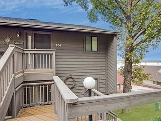 Large, Spacious updated Lake condo! *Boat Slip upon Request*