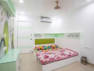 Centrally Located Entire Apartment near ITO