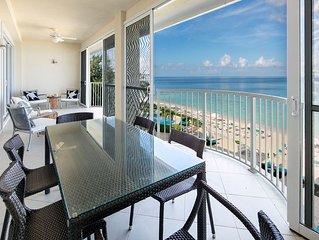 Amazing 4 bedroom 4 Bath Villa on 7 mile Beach