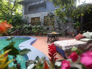 Mango Cottage in Rural Country Location