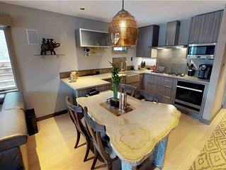 Renovated, Modern Avon Condo Near Free Shuttle to Beaver Creek Skiing, Dining