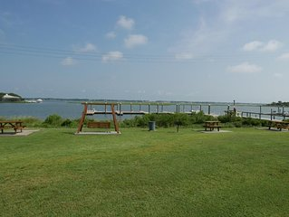 Bogue Shores 208: 1  BR, 1  BA Condominium in Atlantic Beach, Sleeps 4