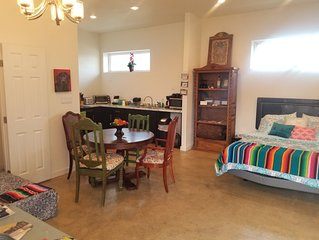 Private Twin Peaks Casita, exquisite - Huge yard! Hot tub on property, pool off