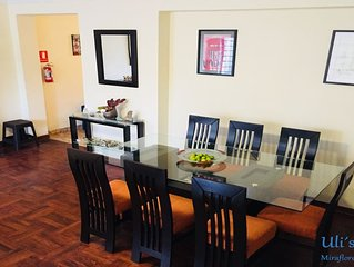 Miraflores, Privated dorm with bathroom, bed and breakfast, big and cozy house