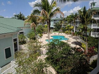 Perfect Vacation Get Away Condo With Marina/Dock access