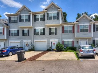 Masters Rental: WALKING distance to the national!