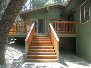 Large Beautiful Bass Lake-Yosemite Cabin Sleeps 10!