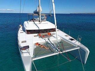 Luxury Catamaran best reviews - full operable after hurrican