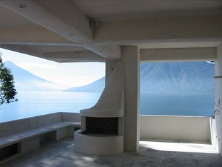 Organic Architecture /Spectacular Lake Property-Family/Couples
