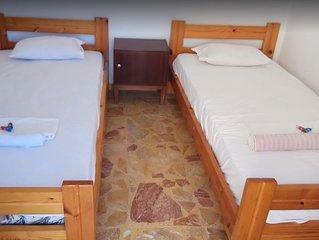 Room 6 - Grandma Vasiliki Rooms To Let