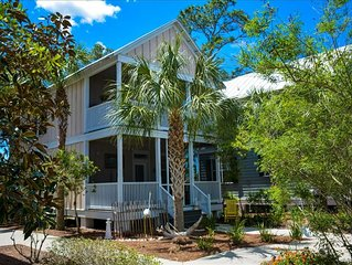 2/2.5 home in Barefoot Cottages, pet friendly, pool, short drive to beach.