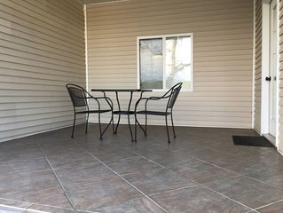 COZY 4 Bedroom Towne home w dock on the water