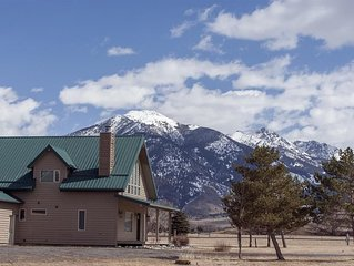 Great cabin with beautiful mountain views!