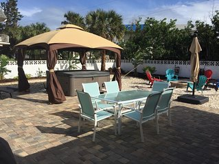 BIG SURF - Very large Beach Home with Hot Tub — 5 Star Rated !