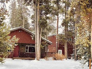 6 miles from Park entrance(Fox Den) 2 Houses for the price of 1!