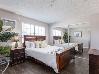 ⭐Family Vacation Home⭐Perfect Location~Near Disney & Knott's⭐ Pool⭐King Bed⭐AC