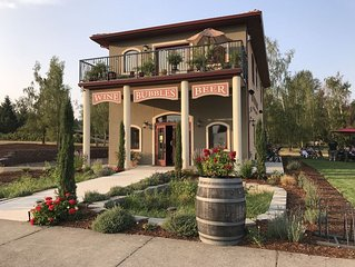 Stay In The Heart Of Wine Country.