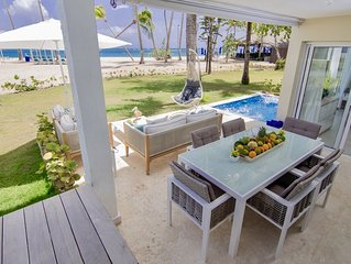 Luxury 4BR Beachfront Double Condo w/ Private Patio & Pool / Jacuzzi