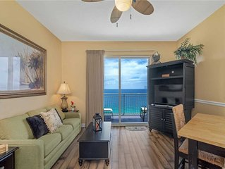 Sterling Reef 1904, 2 Bedroom, Penthouse, Beach Front, Pool