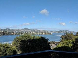 Modern Sausalito Townhouse with Beautiful Bay Views   (2000 sqft)