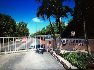 Key Largo Oceanfront Gated Community 3/3 With Dockage!