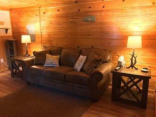 Black Bear Inn Rainbow Room Wi-Fi, Dish Network! Sleeps 5 Near Casino & Tippy!