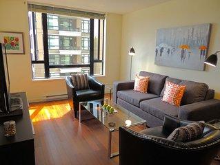 Downtown One Bedroom Plus Den - Two Blocks To Inner Harbour - 30 Night Minimum
