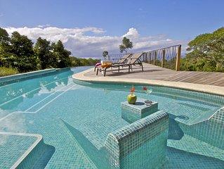 Private Jungle Villa, w/Ocean View, Infinity Pool, Wildlife & A/C