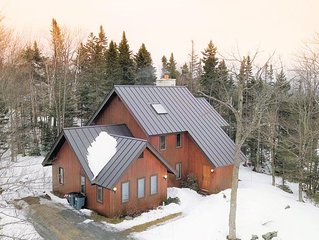 Beautiful!! Bromley-Stratton VT Slopeside Ski Home, Minutes from Manchester