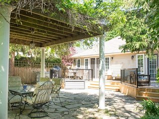 Renovated cottage, great outdoor space, bbq / grill, wifi, ac, laundry