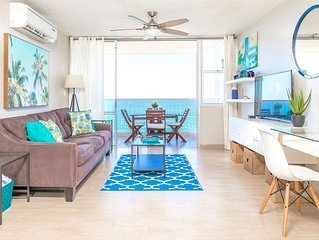 Beachfront ★ Washer/D ★ King bed ★ Walk to eat