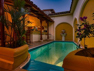 Casa de Arcos: Astonishing&spacious colonial villa w private pool *best location